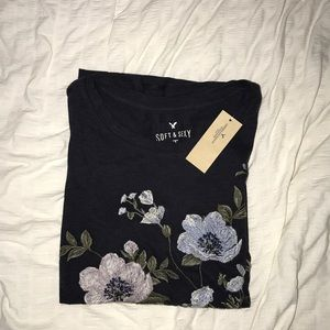women's embroidered american eagle shirt! NWT